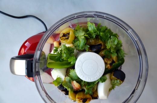 Roasted Tomatillo-Garlic Salsa Recipe