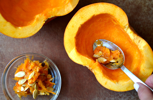 3_scooping-out-pumpkins