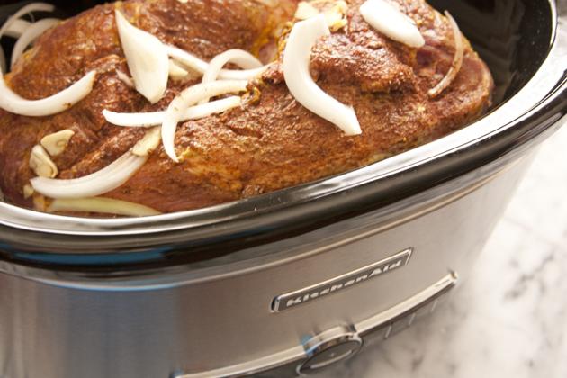 _IMG05_slow-cooker-pork-sliders
