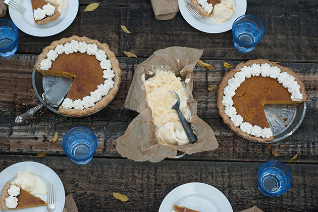 _IMG_00_HERO_how-to-make-pumpkin-pie-from-scratch_small