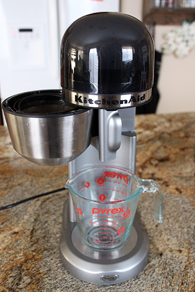 _IMG_02_Personal-Coffee-Maker-01