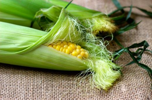 Image-1-Summer-sweet-corn-whole