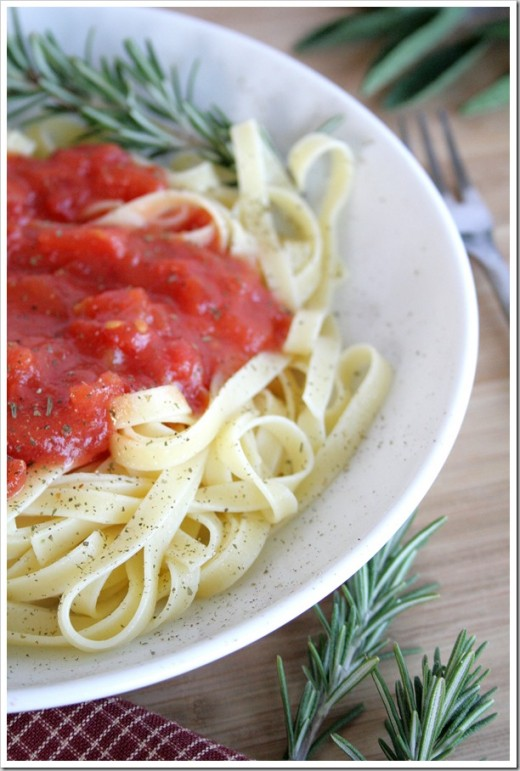 Homemade Pasta Sauce with Tomatoes, Herbs and Onions Recipe