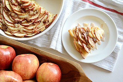 theidearoom-Apple-Cake_blog